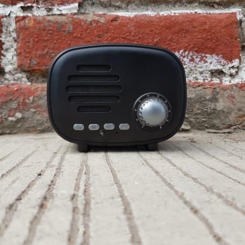 Bocina portátil estilo vintage con radio