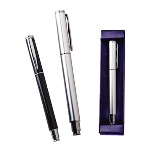 Bolígrafo metálico roller. Incluye