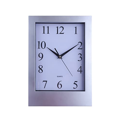 Reloj de pared rectangular. Utiliza