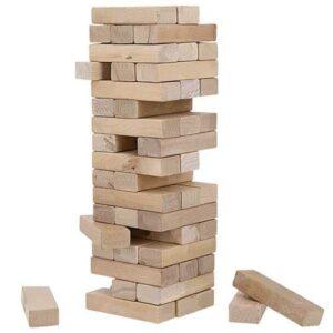 Torre con 54 bloques de madera.